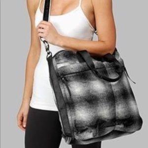 Lululemon Fast in Flight gray wool gym bag tote